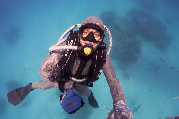 """Cristina Zenato, la donna che """"sussurra"""" agli squali"""