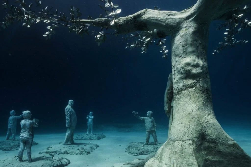 Una foresta di sculture subacquee a Cipro: è l'ultima opera di Jason deCaires Taylor